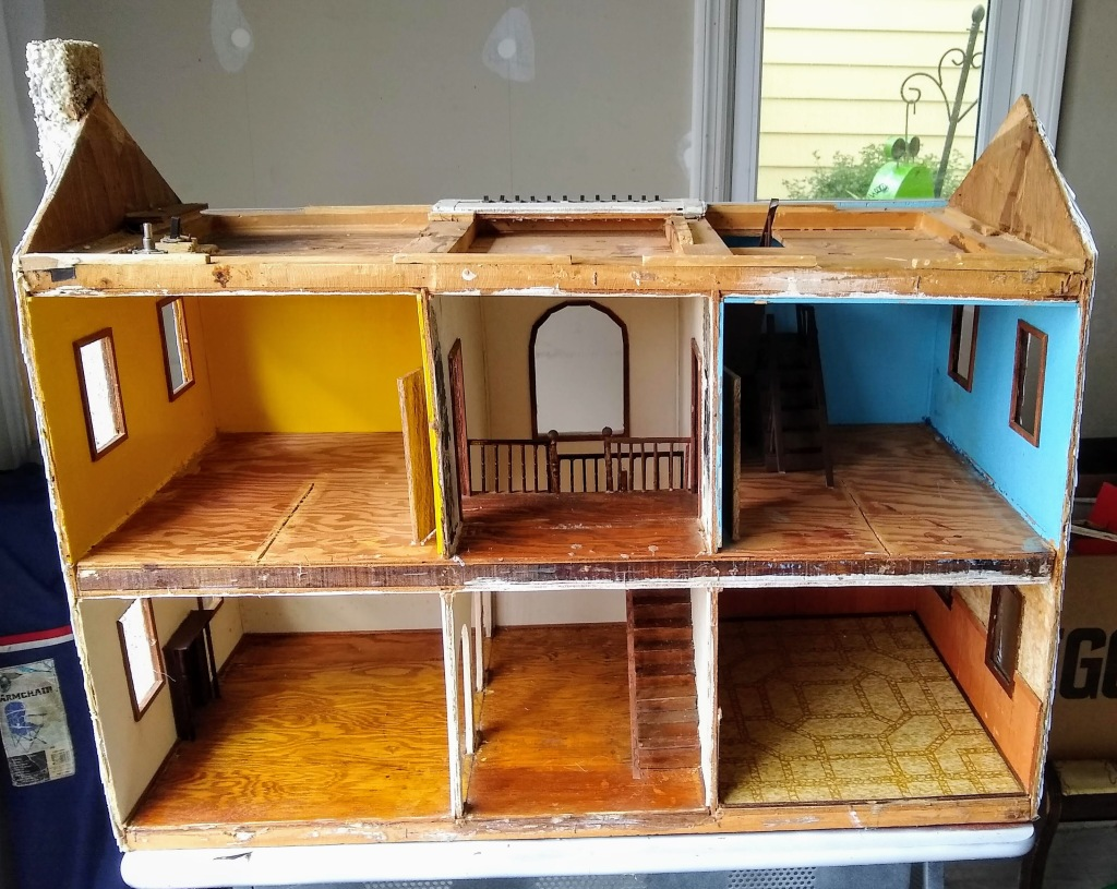 dollhouse with roof off