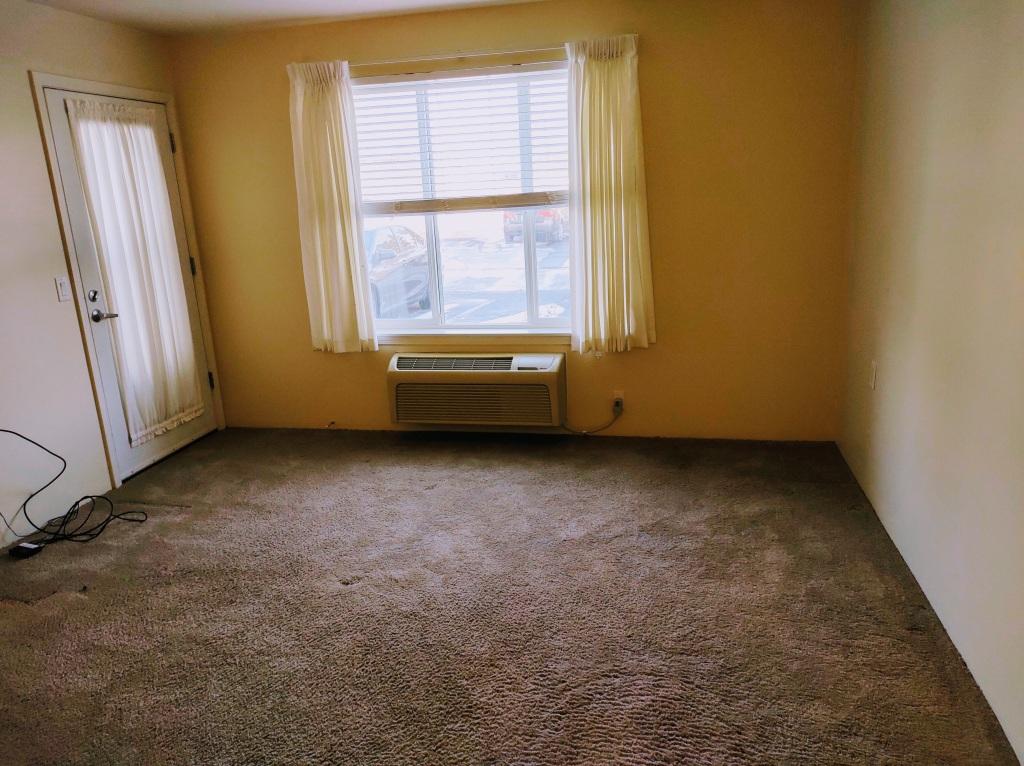 12 x 12.5 foot empty room