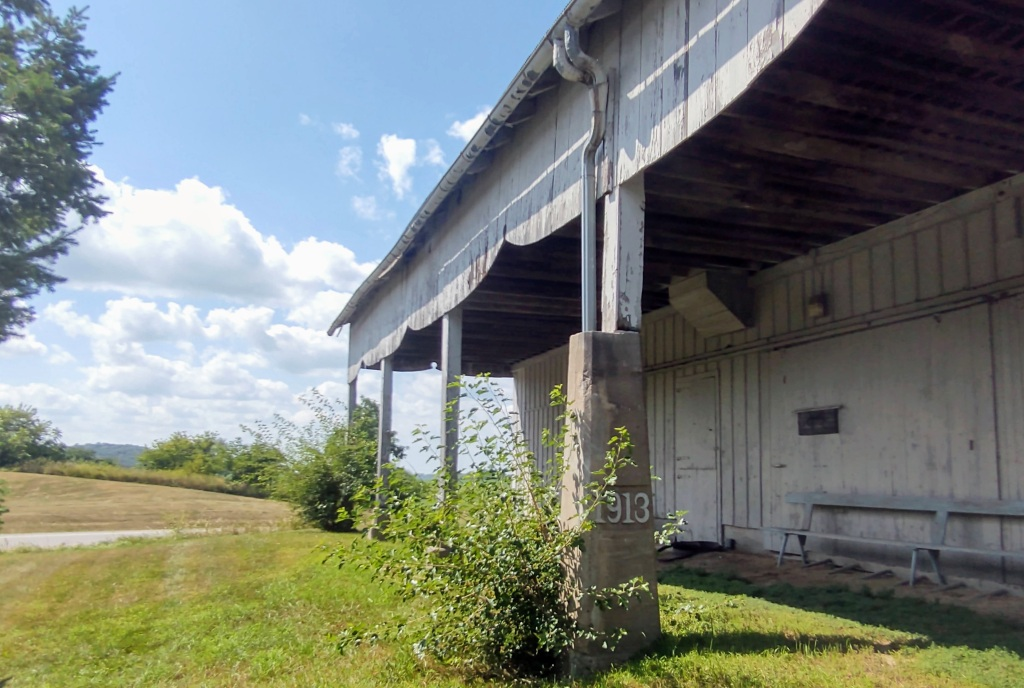 Side of the Barn Museum with 1913 on the column.